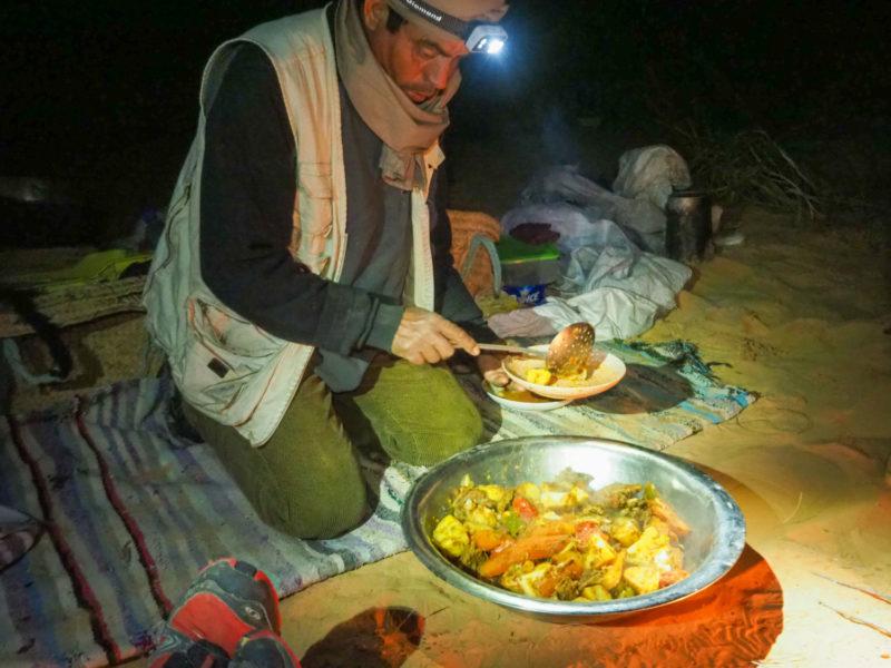 夕食はしっかりと食べ答えのあるものを作ってくれます。マグレブ地域の料理といえばこちら、タジン鍋。
