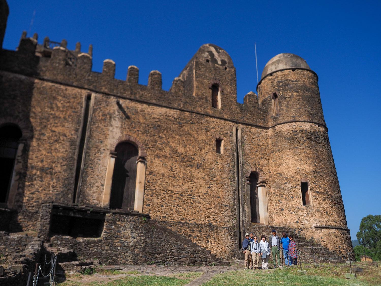 16~17世紀頃のファジルゲビ王宮。インド、アラブ建築にバロック建築の影響を受けた「ゴンダール様式」の建物です。