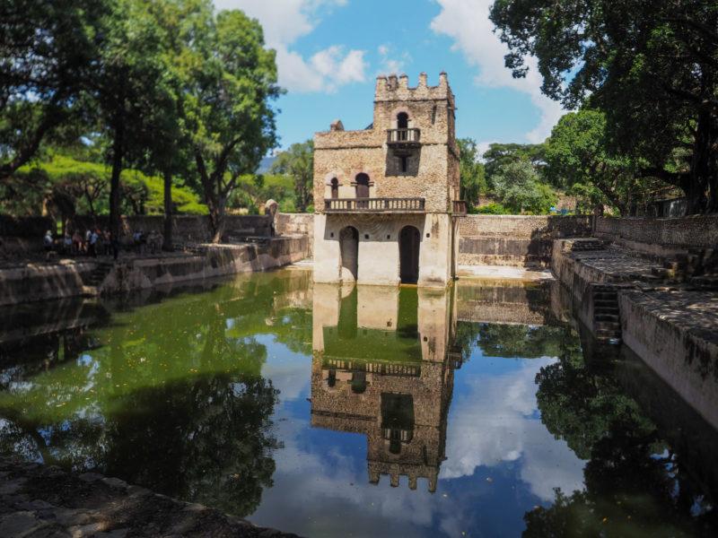 歴代のファシリダス皇帝たちの水浴び場。ティムカット祭礼の時は巡礼者が集結します。